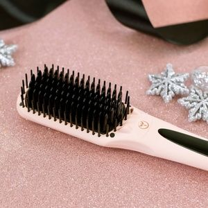 L'ange Le Vite straightening brush